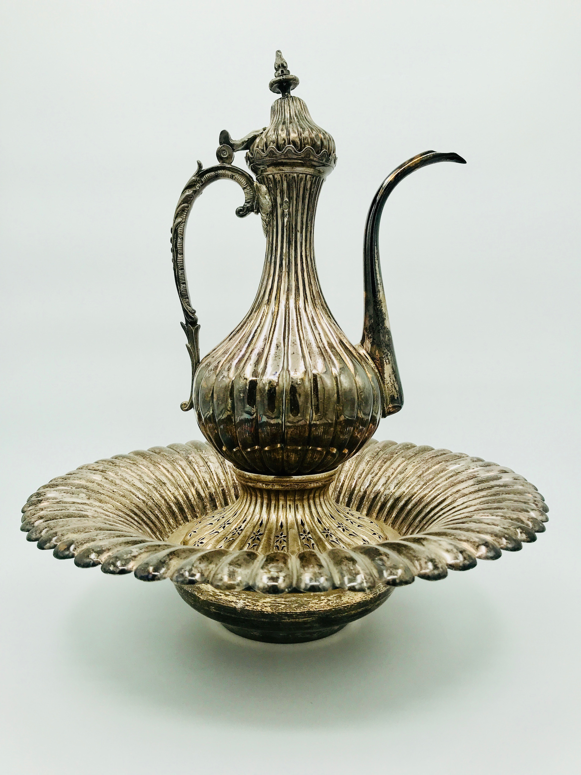 2.ONLINE ARTS OF ISLAMIC AND ORIENTALIST PAINTINGS AUCTION